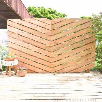 How to Build a Simple Chevron Outdoor Privacy Wall#build