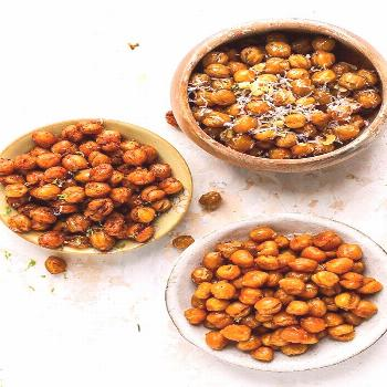 Looking for a fun new snack for you and your family? Look no further! These roasted chickpeas are t